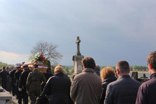 "Pogrzeb por. Maksymiliana Jarosza ps. ""Mirski"", Piaski, 14 maja"